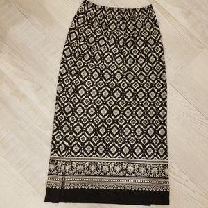 Petite sophisticate long black white print skirt
